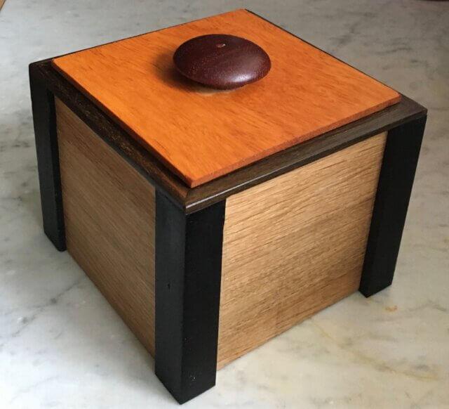 een houten bonbonnière